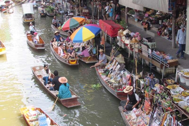 Mercado Flutuante - Bangkok