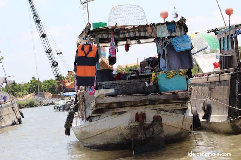 Barco casa no Delta do Mekong