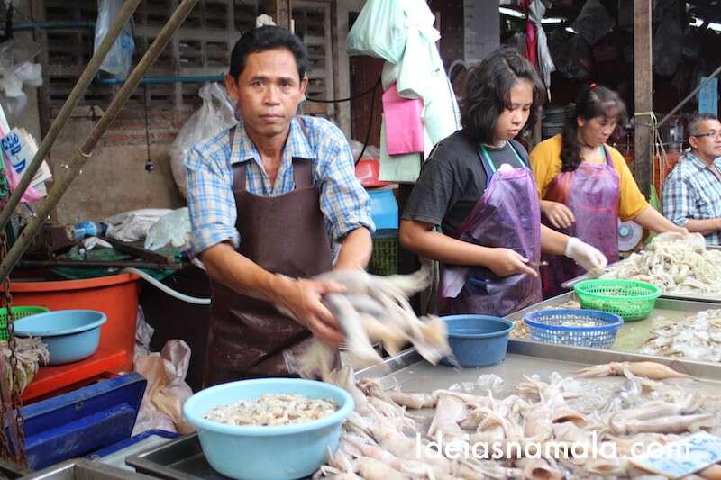 Peixes no Mercado de Maeklong