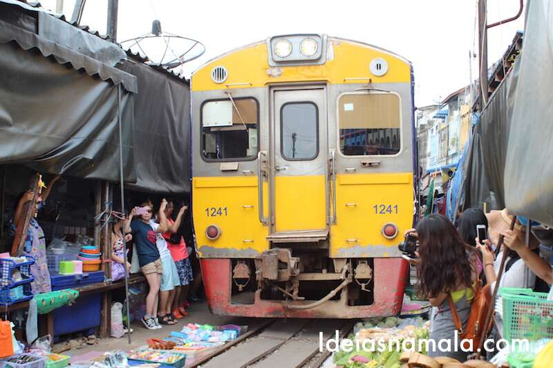 Mercado do Trem - Tailândia