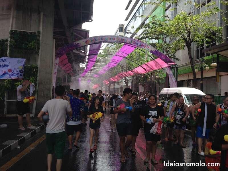 Túnel de água em Silom Road