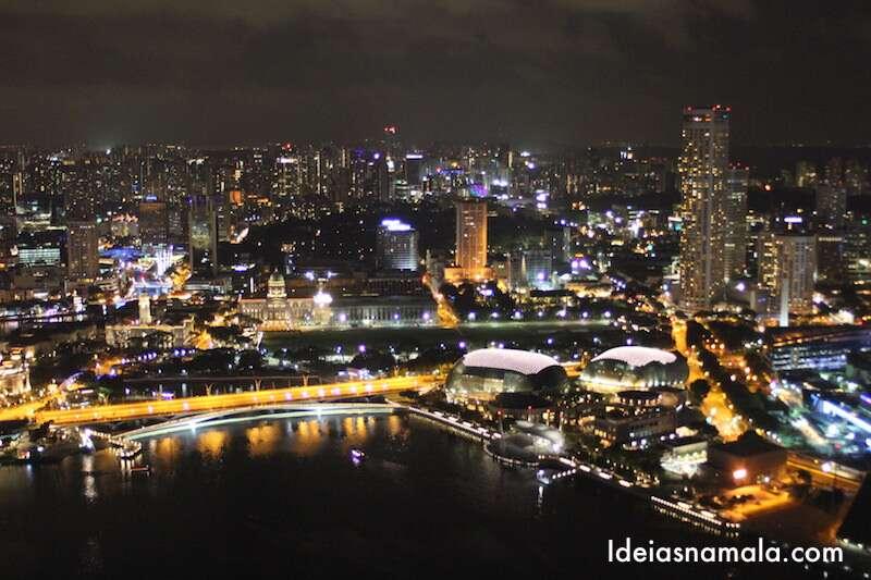 Singapura vista do alto do Marina Bay Sands
