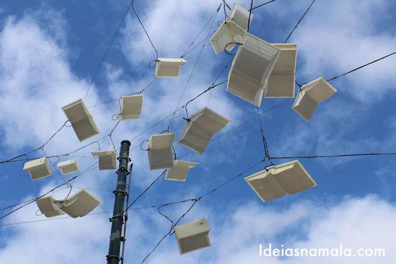 Livros no alto