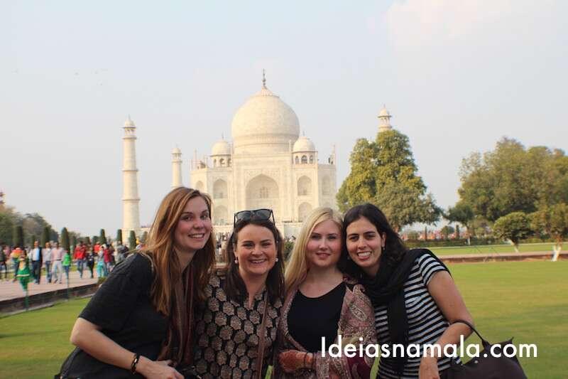 Taj Mahal com amigas