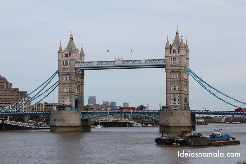 Tower Bridge vista de longe