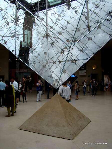 Piramide Invetida - Louvre