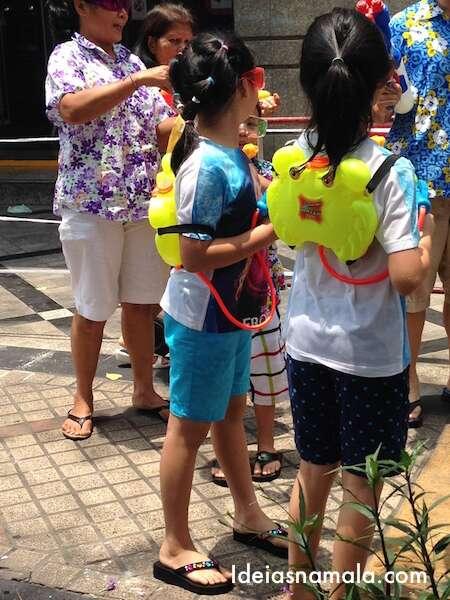 Crianças no Songkran - Bangkok