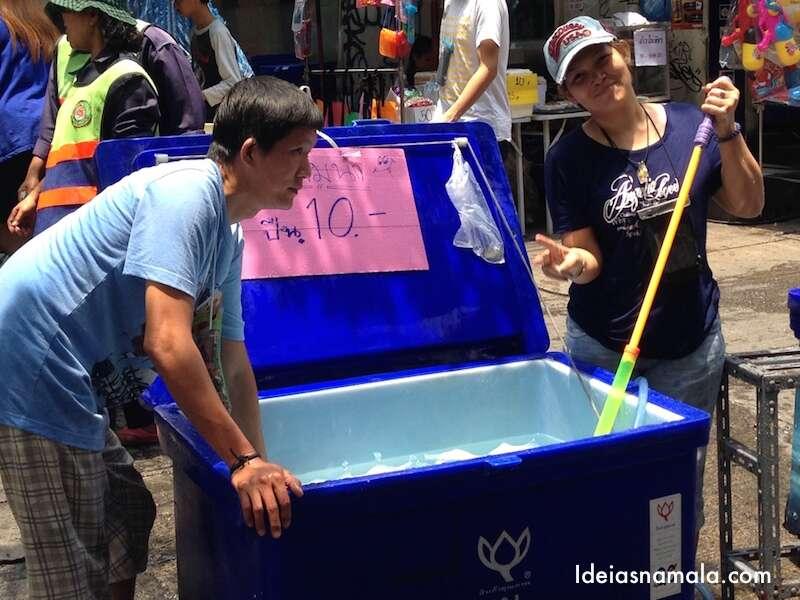 Água muito gelada por 10 Bahts