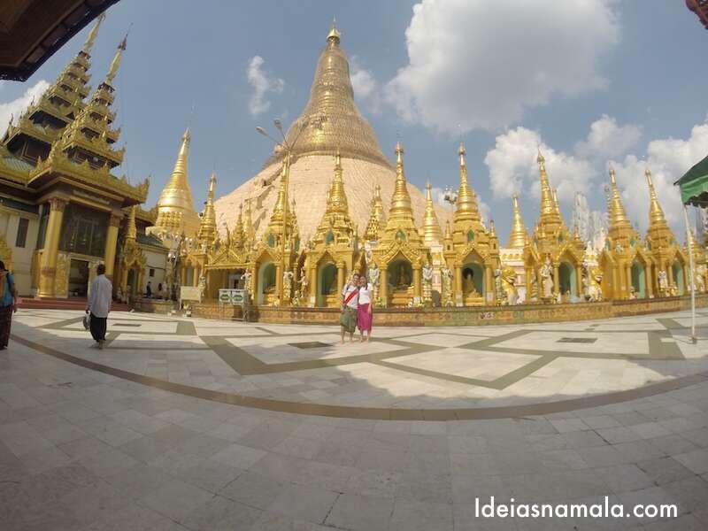 Templo dourado em Yangon - Mianmar