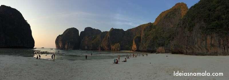 Maia Bay vazia: somente no final da tarde ou no comecinho da manhã