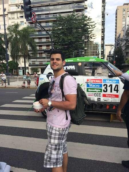 Carros do Rali Dakar em Buenos Aires