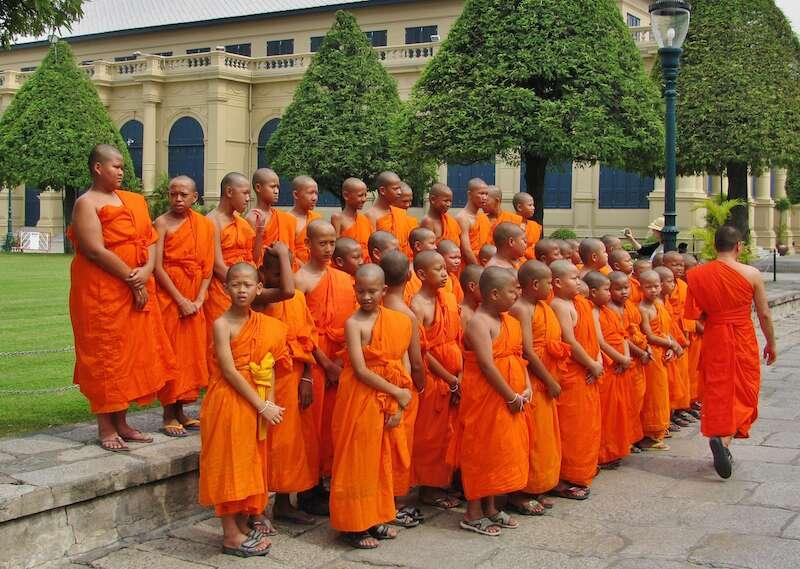 Monges em Bangkok