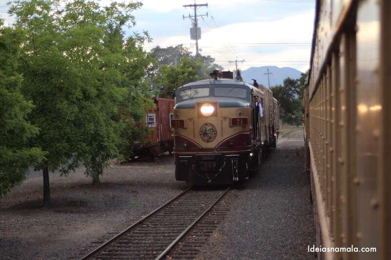 Locomotiva mudando de lado