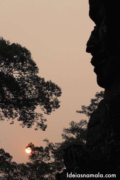 Angkor: Nascer do sol no Bayon
