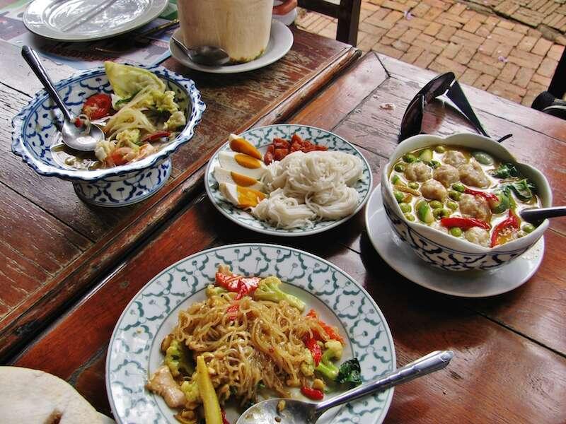 Restaurante em Ayutthaya - Tailândia II