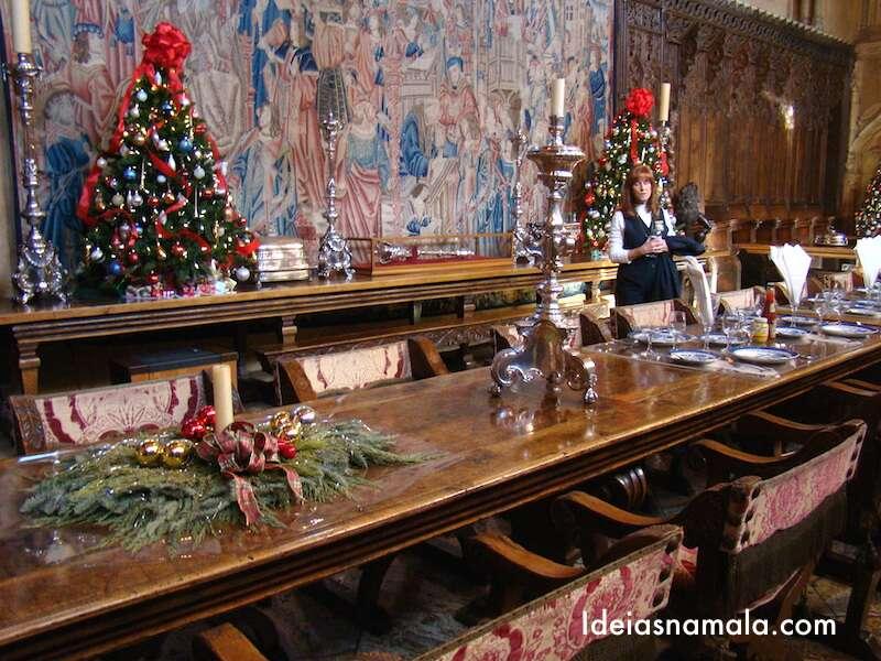 Mesa pronta para receber visitas