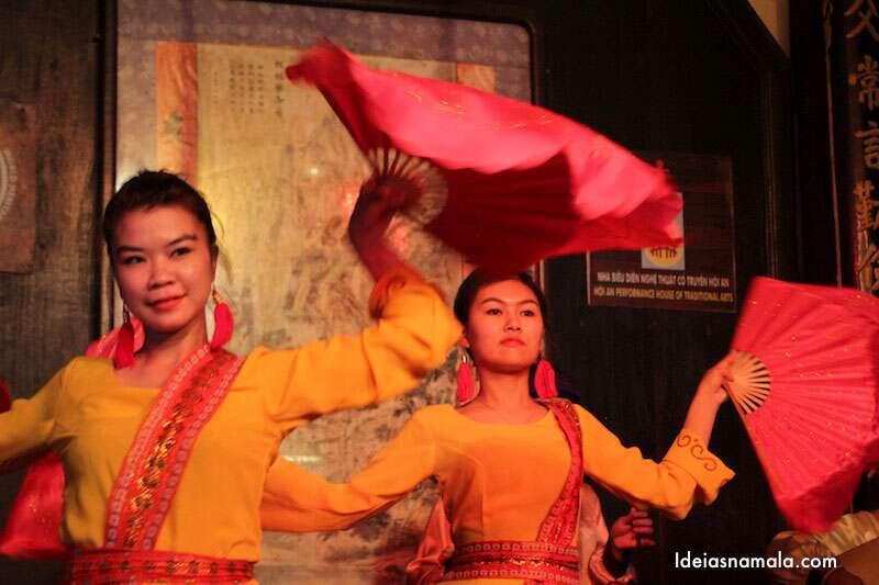 Show de dança no Handicraft Workshop
