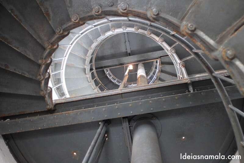 Escada do Farol de Point Arenas - Califórnia