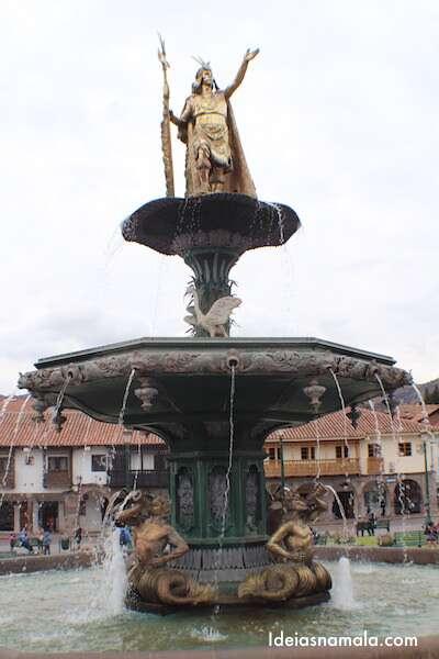 Inca Pachacútec - Na plaza de armas