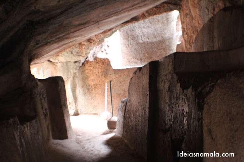 Caverna em Q'enqo - Cusco