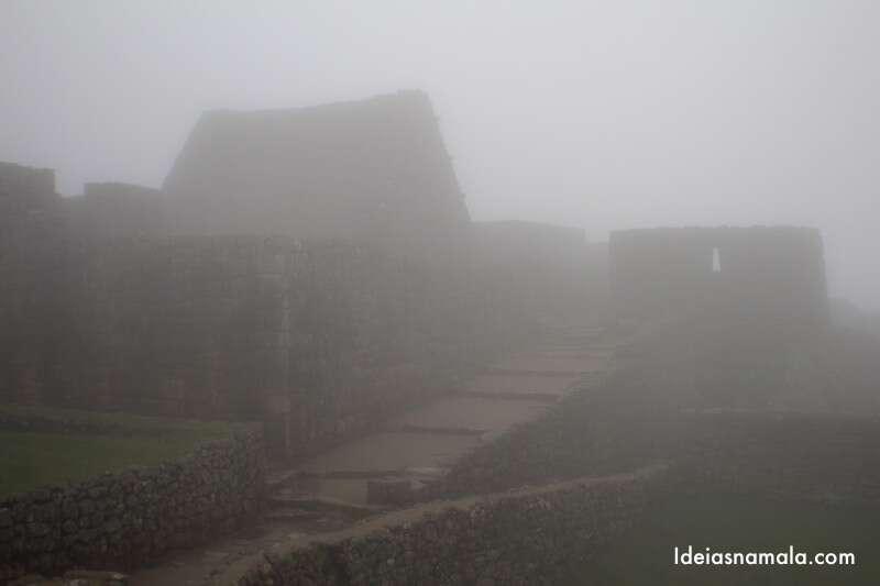névoa no Machu Picchu