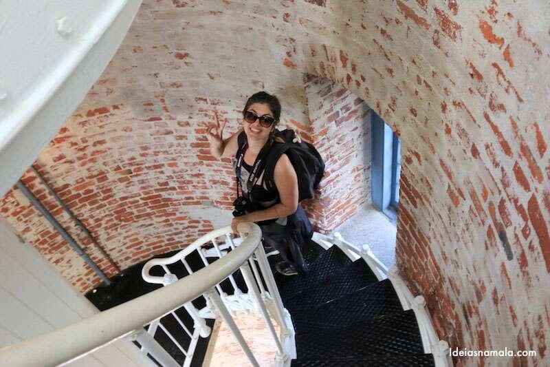 Escada de caracol no farol em Big Sur