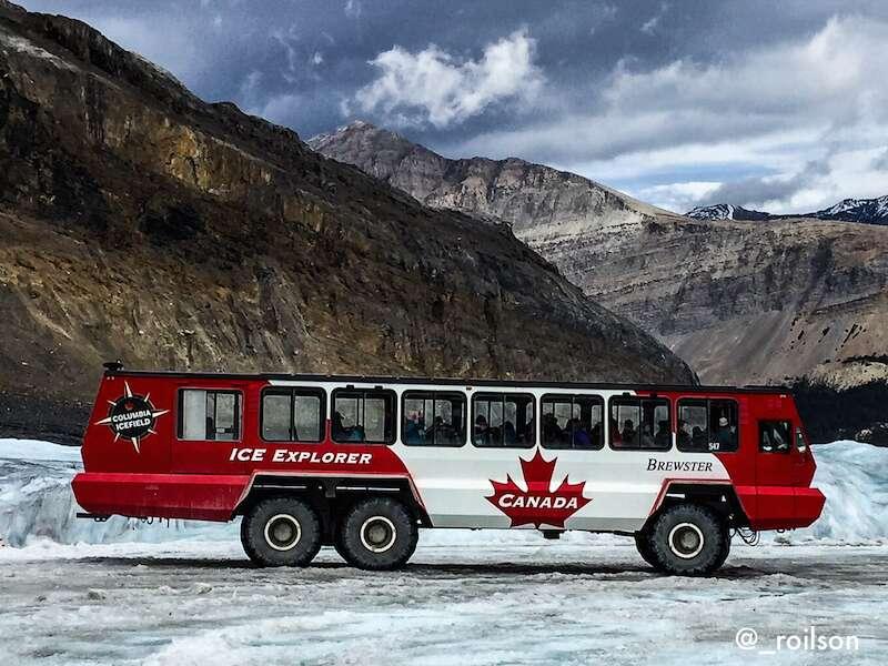 Ice explorer o ônibus que sobe na geleira - Athabasca Glacier no roteiro do Canadá