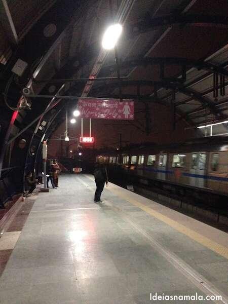 Metrô em Nova Delh
