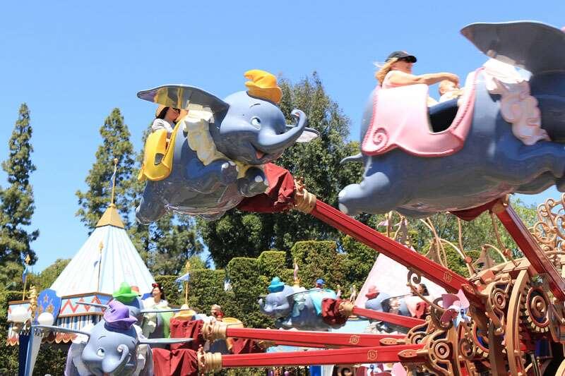Dumbos voadores, um clássico da Disney California