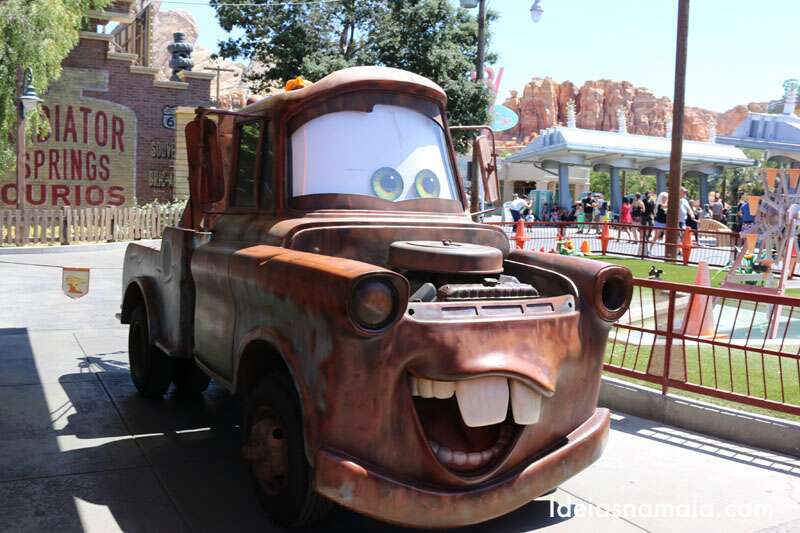 Mater, um dos personagens da Cars Land