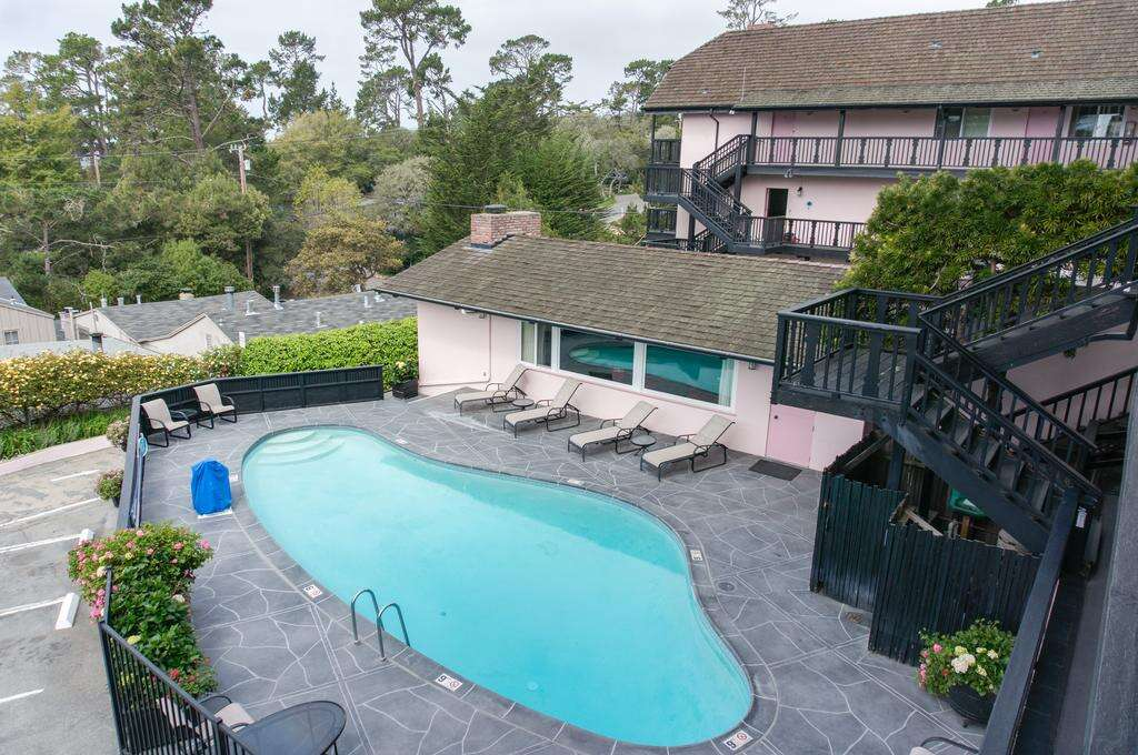 Piscina do hotel Hofsas House em Carmel