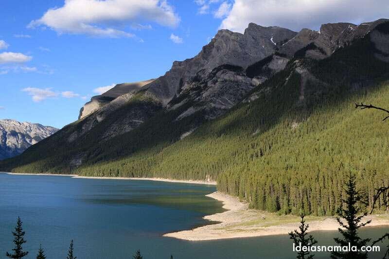 Lake Minnewanka em Banff
