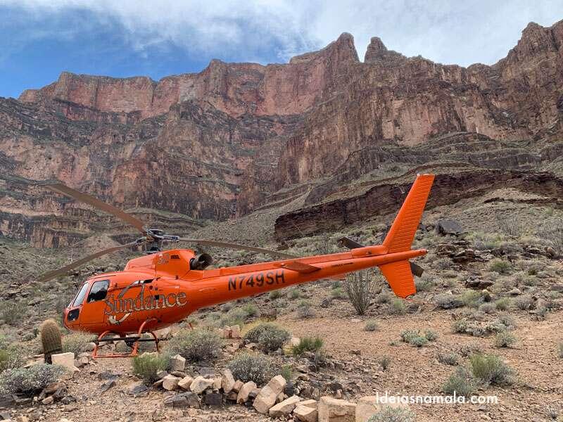 Passeio de helicóptero no Grand Canyon