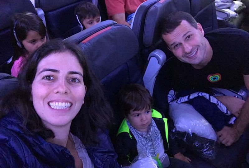 viajar de avião com um bebê de 1 ano