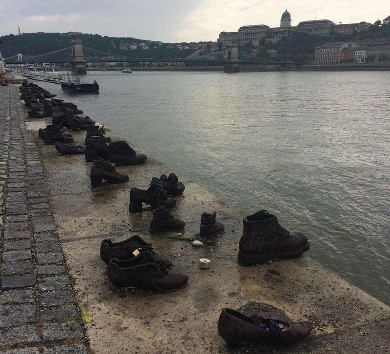 BUdapeste Monumento dos Sapatos