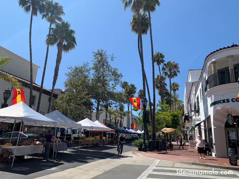 State Street a rua mais animada de Santa Barbara