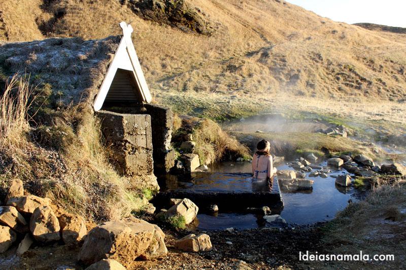 Piscinas naturais na Islândia