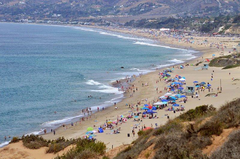 Zuma Beach, uma das praias mais populares de Malibu