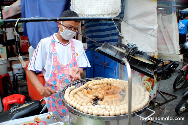 Comida de rua em Chiang Mai na Tailandia