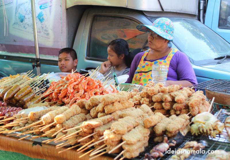 Barraquinha de comida de rua em Bangkok