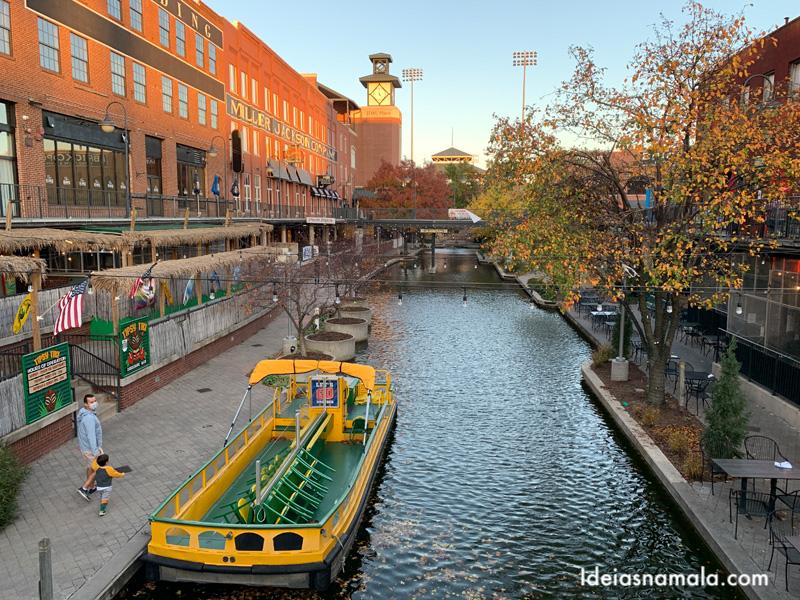 Passeio de barco pela Bricktown em Oklahoma City