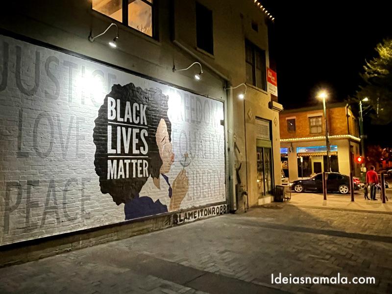 Mural Black Lives Mater no centro de Tucson