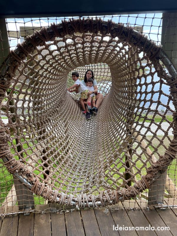 Brinquedão de cordas na Robinson Preserve