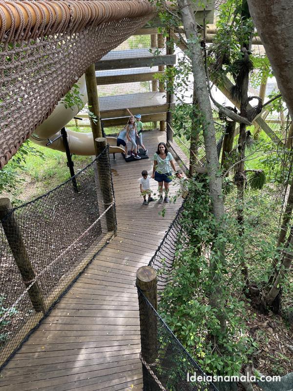 Brincando na Canopy Zone em Bradenton