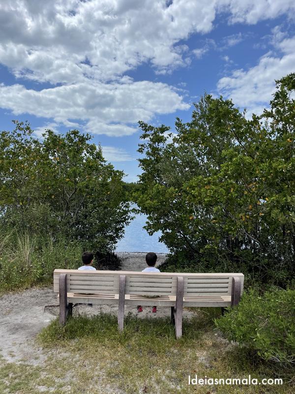 Banquinho de descanso na Robinson Preserve