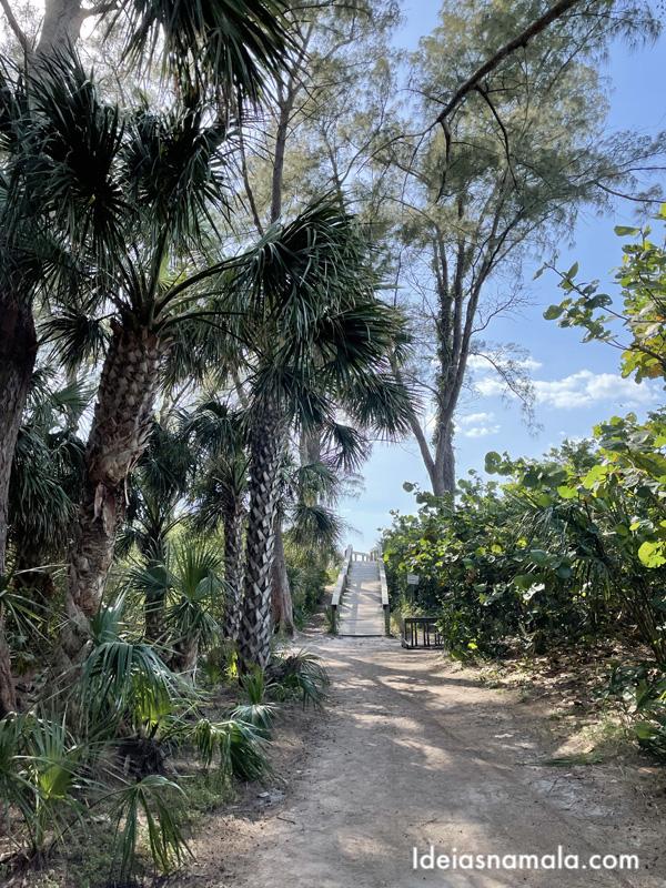 Entrada da Bean Point Beach