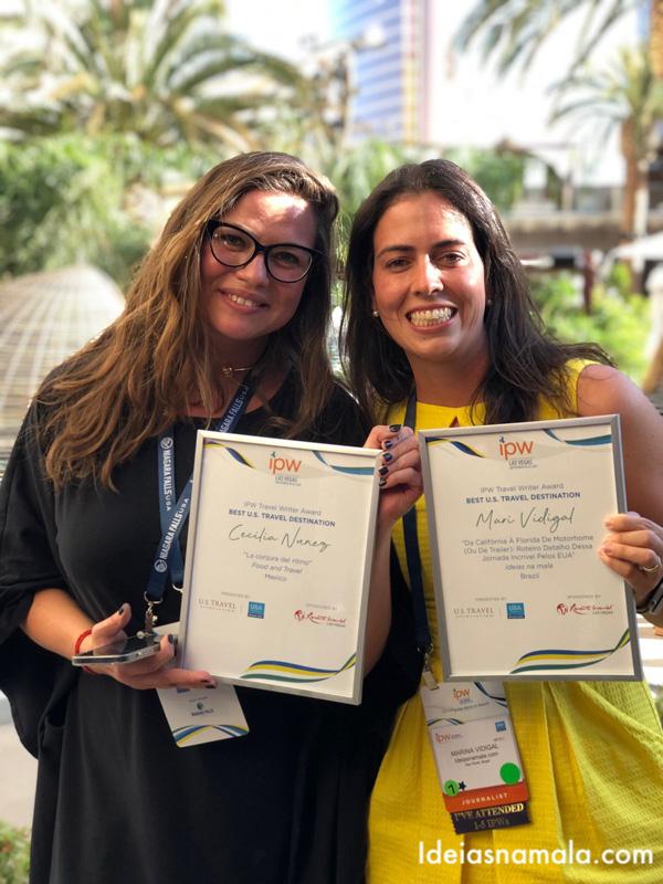 Eu e a Cecilia do México comemorando o prêmio